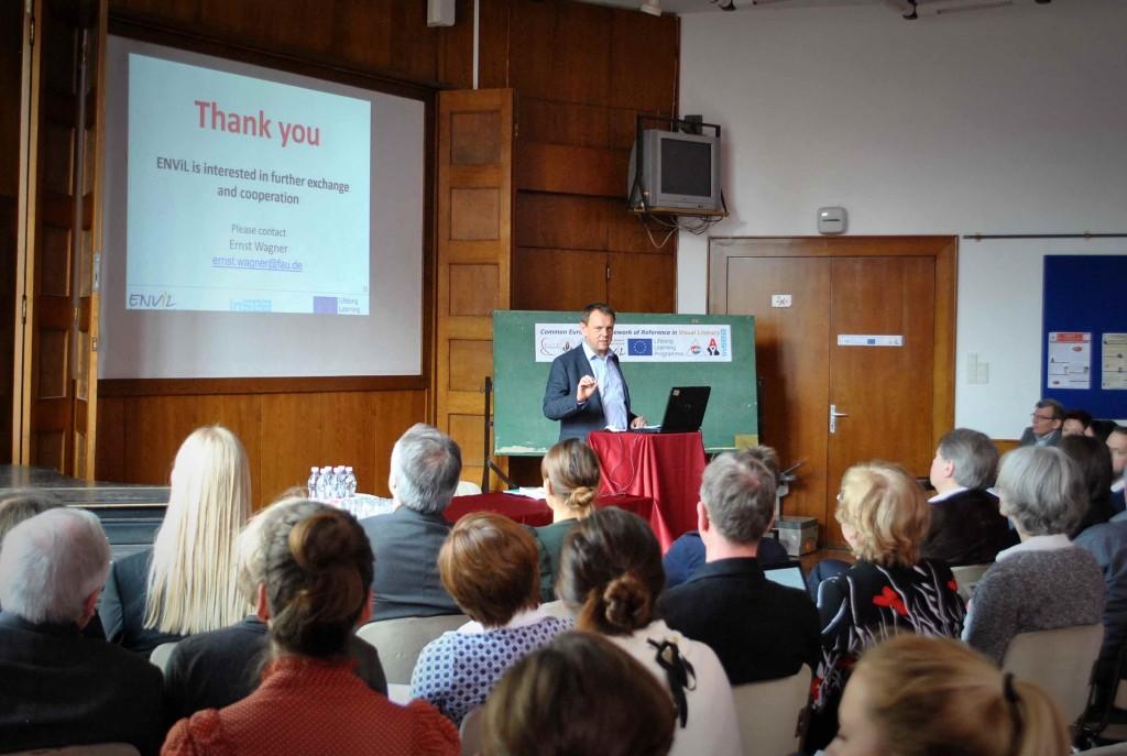 Ernst Wagner erläuterte die Struktur des Kompetenzrahmens und gab einen Ausblick auf zukünftige Vorhaben